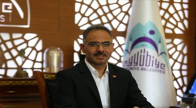 Eyyübiye Belediye Başkanı Bir Aylık Maaşını Bağışladı