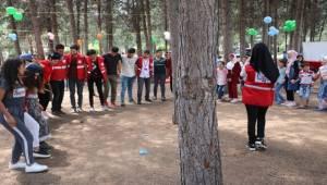 Şanlıurfa'daki mülteci çocuklar gönüllerince eğlendi