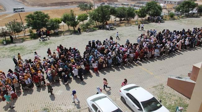 Urfa'da 75 Bin Suriyeli Karne Aldı