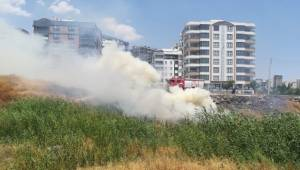 Akbayır Mahallesinde Anız Yangını