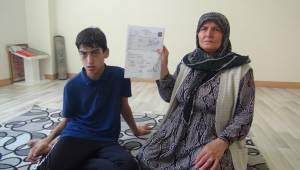 Doğuştan Engelli Mustafa Yardım Eli Bekliyor