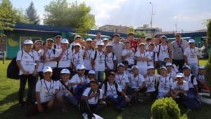Eyyübiyeli Gençler Yaz Kampına Gitti