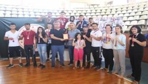 Haliliye Kick Boks Takımı Şampiyon Oldu