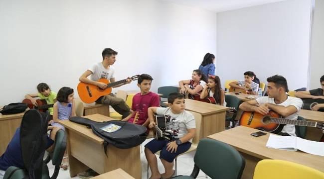 Haliliyeli Gençler Müzik ile Tanışıyor