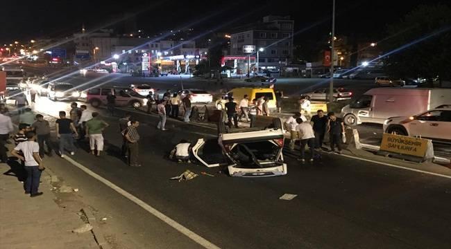 İpekyol'da Otomobil Takla Attı 4 Yaralı
