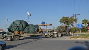 İskenderun'dan Çıkan Tanklar Sınıra Gönderildi