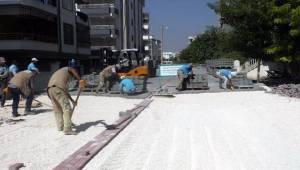 Sırrın'da Beton Parke Yolları Yenileniyor
