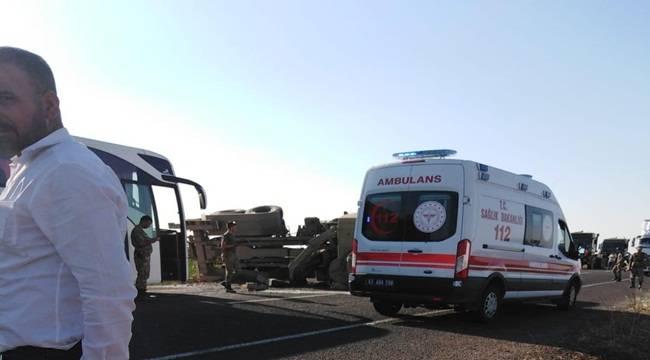 Urfa'dan Hareket Eden Zırhlı Araç Devrildi 2 Asker Yaralı