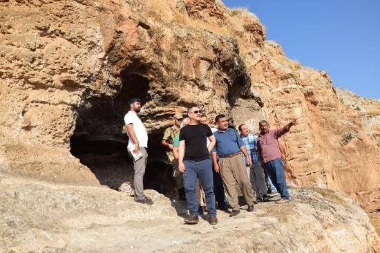 Dereci ve Ekinci tarihi Hafeniş mağaralarını inceledi