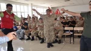 Gençlerden Askerlere Moral Etkinliği