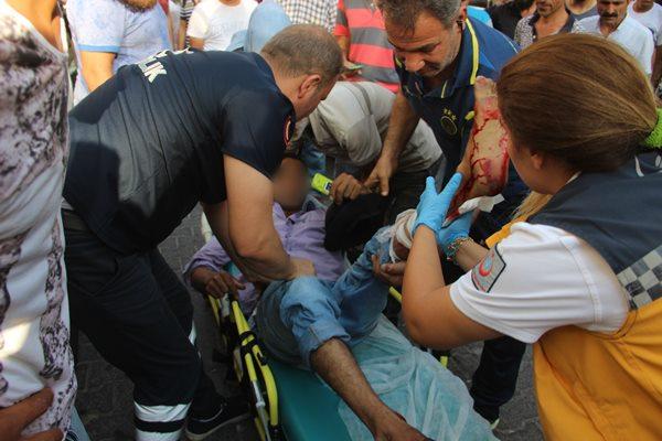 Şanlıurfa'da bahçeye çöp atma kavgası: 3 yaralı, 8 gözaltı
