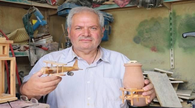 Tahta maketlerle tarihi canlandırıyor