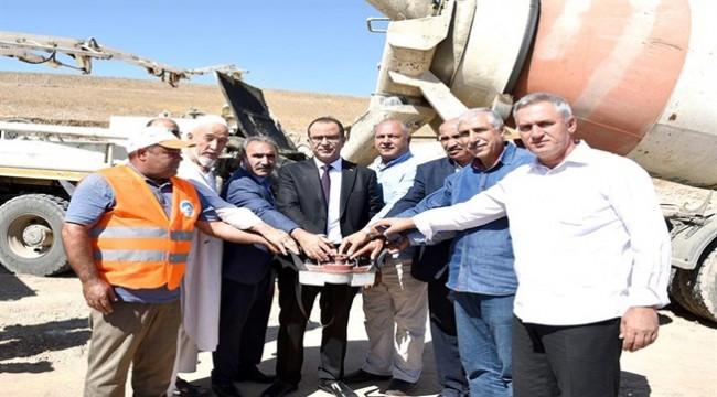 Başkan Aksak Tekstil Fabrikasının Temelini Attı