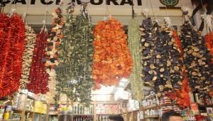 Kurutmalıklarda Geçen Yıl Patlıcan Bu Yılda İsot Pahalı