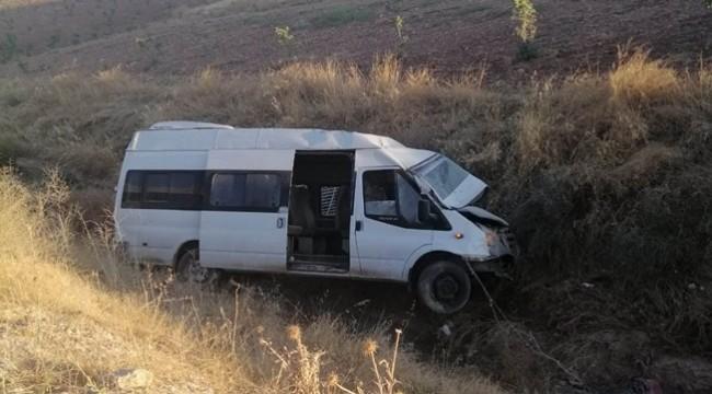 Şanlıurfa - Adıyaman Yolunda Kaza 2 Kişi Yaralandı