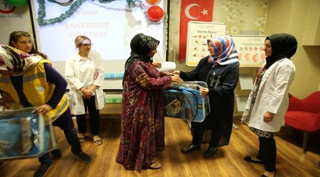 Haliliyeli 700 Anneye Puset Hediye Edildi