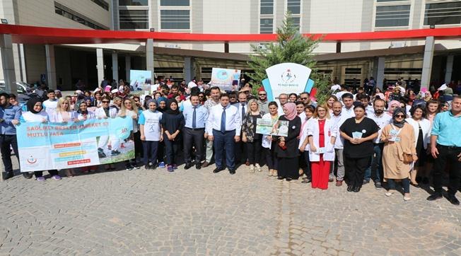 Sağlıkçılar Dünya Yürüyüş Gününde Yürüdü