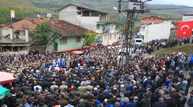 Şehit İsmail Türk Tekbirlerle Uğurlandı