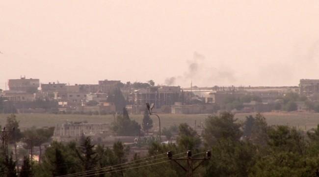 Tel Abyad'ın güney kesimleri yoğun ateş altına alındı