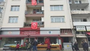 Edirne Adliye Lojmanları Bayraklar İle Donatıldı
