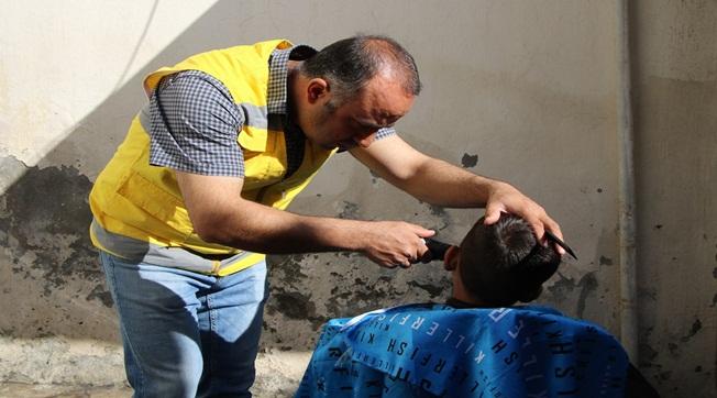 Haliliye'de Yetim Çocukların Saç Tıraşları Yapıldı