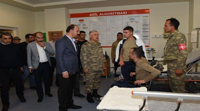 Orgeneral Ümit Dündar yaralı askerleri ziyaret etti