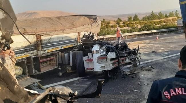 Uyuyakalan Tır Şoförü Bariyerlere Çarparak Durdu