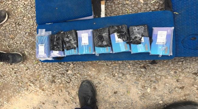 40 Kaçak Cep Telefonu 3 Bin Paket Sigara Ele Geçirildi