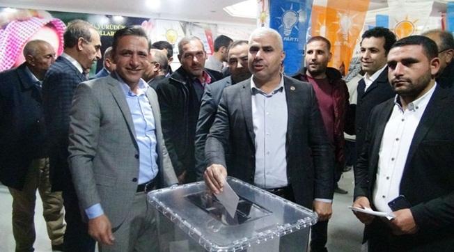 Ak Parti Akçakale'de 6 Bin 100 Seçmen Delegesini Seçti