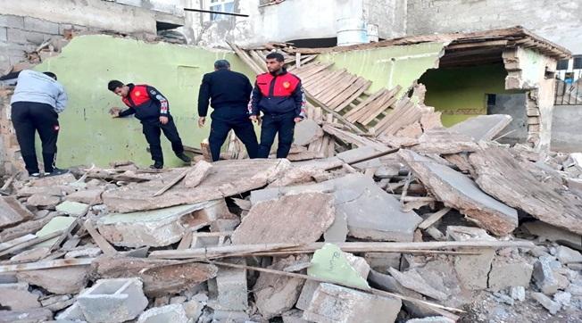Akçakale'de Ev Çöktü 1 Çocuk Yaralandı