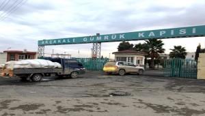 Beş Yüz Kişilik Grup Klakson Çalarak Ülkesine Döndü