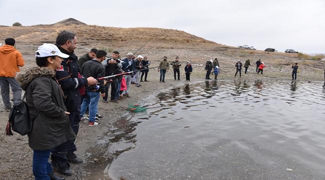 Engelli Çocuklar Balık Tutma Heyecanını Yaşadı