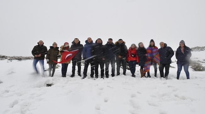 Fırat Gezginler Kulübü Karacadağ'a Tırmandı