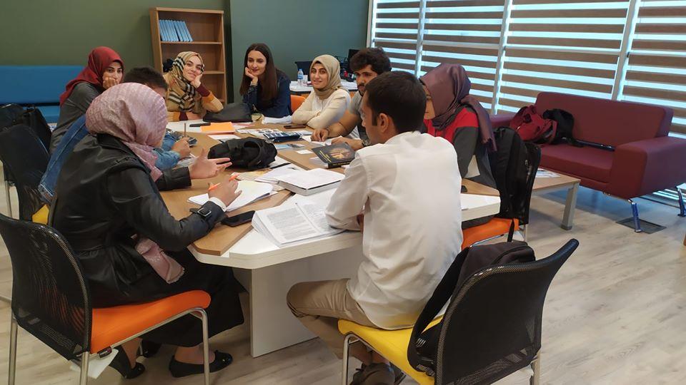 HRÜ Gençlik Ofisi Faaliyete Başladı