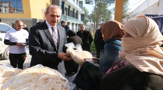 3 Bin Türk ve Suriyeli Aileye 6 Bin Paket Ekmek Dağıtıldı