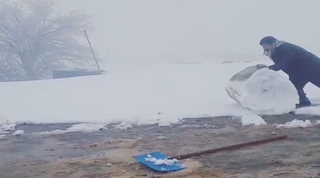 Karacadağ'da Kar Temizliği Hem Şaşırttı Hem Gülümsetti