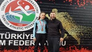 Nidanur Toprak Türkiye 3'Üncüsü Oldu