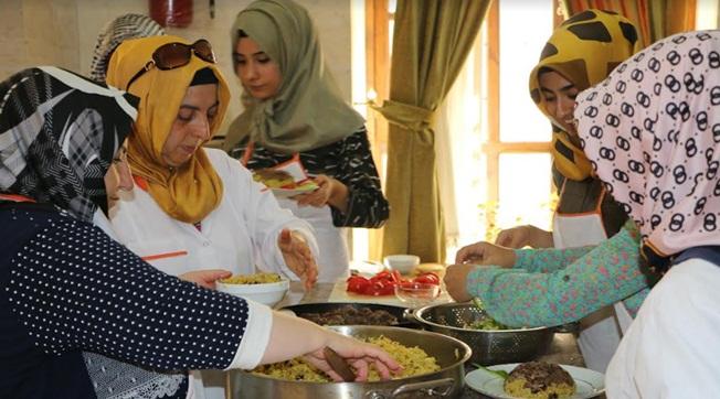 Büyükşehir Kadınlara Yönelik Yemek Kursu Düzenliyor