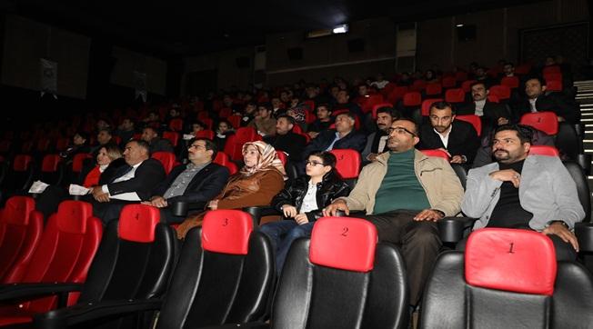 Urfalı Gazeteciler Naim Filmini İzledi