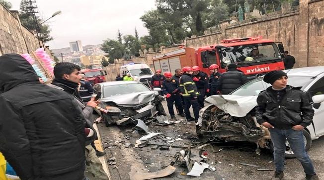 11 Nisan Fuar Caddesinde Kaza 2 Yaralı