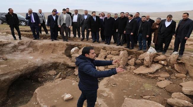 Başkanlar Karahantepe Kazı Yerini İnceledi