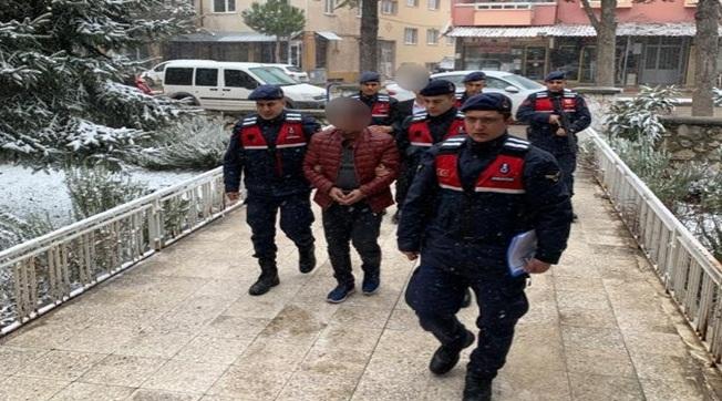 Polis Savcı Diyerek 14 Evi Dolandıran 2 Şüpheli Yakalandı