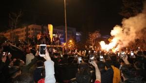 Urfa'da Galatasaray Taraftarlarından Halaylı Kutlama