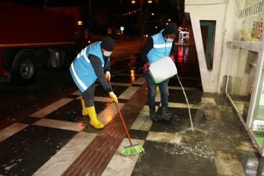 Akçakale'de dezenfekte çalışmaları aralıksız sürüyor