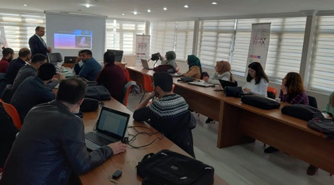 HRÜ'de Yapay Zeka Öğretmen Eğitimi Başladı