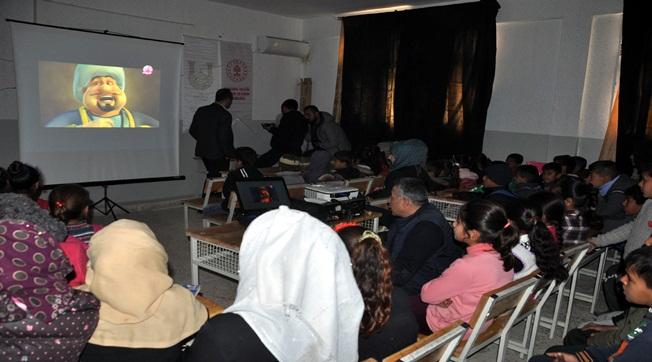Suriyeli Öğrenciler Sinema Heyecanı Yaşadı