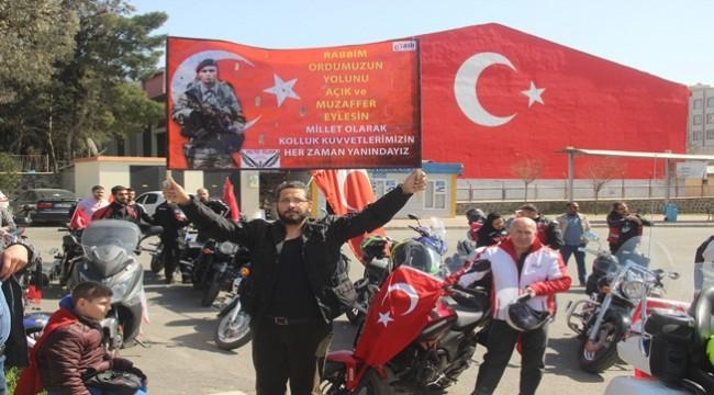 Urfa'da Motosikletli Grup Şehitler İçin Konvoy Yaptı