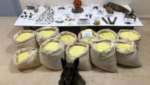 Yüzlerce kilo patlayıcı madde ele geçirildi