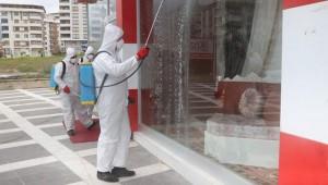 Karaköprü'de iş yerleri dezenfekte ediliyor