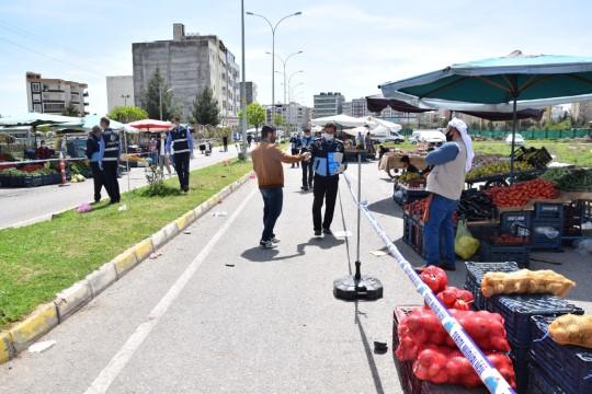 Viranşehir'de semt pazarlarında koronavirüs önlemleri
